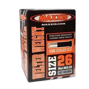 Велокамера Maxxis Welter Weight, 26x1.9/2.125, авто ниппель, 48 мм, IB63761200Камеры для велосипеда<br>Maxxis Welter Weight спроектированы для агрессивных поездок и имеют максимальный срок службы. Эти камеры среднего веса и подходят для всех типов катания. Камера Maxxis Welter Weight (IB63761200) 26x1.90/2.125 AV L:48мм<br>ХАРАКТЕРИСТИКИ:<br><br>Диаметр камеры26<br>Тип золотникаAV Автомобильный<br>ПроизводительMAXXIS