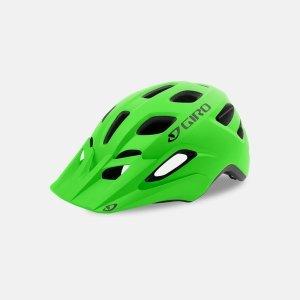 Шлем подростковый Giro 18 TREMOR MTB, матовый светло-зеленыйВелошлемы<br>ОПИСАНИЕ<br>Когда каждый бордюр и прыжок, а лужа вызывает у ребенка крик, Tremor™ сохранит улыбку на лице вашего чада, пока он справляется с трудностями пути. Для этого некоторые из лучших функций нашей взрослой линейки, такие как система In-Mold и наша<br>популярная система Roc Loc® Sport, стали доступны для этой модели. Это шлем будет дарить приятные впечатления от катания<br>везде, от прогулки по парку до памп-трека. Съемный козырек. Быстросохнущие подушки. Компактная и прочная конструкция.<br>Вентиляция - 19 отверстий. Размеры U - 50 - 57 см.