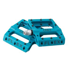 Педали Colt Bikes Flex, синий, mlg-CK601BПедали для велосипедов<br>Легкие нейлоновые педали с широкой платформой и сменными стальными шипами. Надежный подшипник скольжения с центрирующим закрытым подшипником.<br><br> <br><br>Корпус: Nylon Fiber 9.5х9.5х1.7см<br><br>Вес: 355г<br><br>Шипы: стальные сменные<br><br>Ось: Chromoly Steel 9/16-20TPI<br><br>Подшипники: 1 sealed bearing + 1 DU