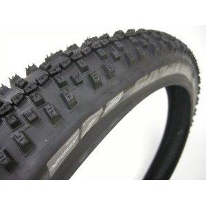Покрышка для велосипеда Schwalbe Smart Sam Plus A236505-1, 26х2,25, 11101180.01Велопокрышки<br>Покрышка для велосипеда, Schwalbe Smart Sam Plus A236505-1      26    х       2,25,    11101180.01<br>ETRTO 54-559<br>Корд Сталь<br>Давление 30 — 55 PSI  <br>Максималная нагрузка    100 кг<br>Цвет черный<br>Вес    895 грамм<br>Защита  GreenGuard, SnakeSkin<br><br>Компаунд  Addix<br><br>Плетение  67 EPI<br>Покрышка Schwalbe SMART SAM PLUS Performance с новым компаундом Addix имеет отличный накат и сцепление в поворотах. Отлично подходит для катания как по пересеченной местности, так и по асфальту. Имеет защитный слой GreenGuard и защиту боковин SnakeSkin.<br>Технология SnakeSkin <br><br>SnakeSkin  Змеиная кожа    это защита боковин покрышки от проколов. По мнению производителя является самой эффективной технологией для защиты покрышек. Увеличивает вес покрышки только на 50 граммов, но отлично защищает борта от порезов, например острыми камнями.<br><br> <br><br>Компаунд Addix <br><br>Новый компаунд Addix используется и в линейке покрышек Performance. Он достаточно универсален и долговечен, как и компаунд Speedgrip, но эти покрышки не так быстры.<br><br> <br><br>Технология GreenGuard <br><br>Защитный слой в виде ленты толщиной 3 миллиметра. Изготовлен из натуральной смеси резины и переработанных изделий из латекса  перчаток, камер и др.Уровень защиты — 5 из 6.