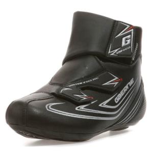 Велотуфли Gaerne G.Acira Road Black, 3222-001, 2018Велообувь<br>Максимально комфортные и технологичные контактные туфли от Gaerne, созданные  для экстримально холодной и дождливой погоды. Основные преимущества данной модели – удобные застежки, теплая и мягкая набивка из пуха, а также анатомическая стелька. <br><br>ОСОБЕННОСТИ<br><br>Туфли, идеальные для холодной погоды<br>Анатомическая стелька<br>Набивка из специального утеплителя и пуха<br>Пол: Мужской<br>Производитель: GAERNE<br>Размер: 41, 43, 45, 42, 44<br>Система SPD: Да<br>Цвет: черный