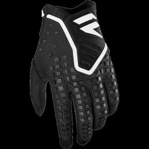 Велоперчатки Shift Black Pro Glove, черный 2019Велоперчатки<br>Black Pro - новые велокроссовые перчатки от Shift. Верх модели выполнен из эластичного дышащего текстиля, а ладонь отделана тонкой искусственной кожей Clarino. Одна из особенностей этих перчаток - дополнительная накладка на большом пальце для большей прочности и долговечности. А силиконовые накладки на кончиках среднего и указательного пальцев обеспечивают лучший контроль ручек тормоза и сцепления.<br><br><br><br>ОСОБЕННОСТИ<br><br><br><br>Материал: текстиль/искусственная кожа<br><br>Дополнительная накладка на большом пальце для большей прочности и долговечности<br><br>Силиконовые накладки на кончиках среднего и указательного пальцев для лучшего сцепления<br><br>Оригинальная графика