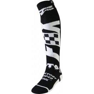 Носки Fox FRI Czar Thin Sock, черно-белый 2019Велоноски<br>Тонкие мягкие носки от Fox. Модель выполнена из прочного и долговечного синтетического материала, который быстро сохнет и хорошо отводит влагу. Анатомический крой и дополнительные утолщения в критических местах обеспечивают максимальный комфорт.<br><br><br><br>ОСОБЕННОСТИ<br><br><br><br>Материал: полиэстер<br><br>Анатомический крой<br><br>Дополнительные утолщения в критических местах