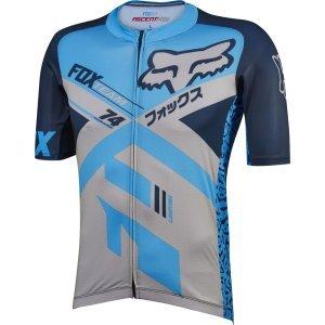 Велофутболка Fox Ascent Pro SS Jersey, синяя 2016Велофутболка<br>ОПИСАНИЕ<br><br>Ascent Pro Jersey создан для того, чтобы дать вам наибольшее преимущество на трассе. Благодаря особой функциональности и долговечности, он обеспечивает производительность и комфорт для любого уровня гонщика XC.<br>TRUDRI trail определенная гоночная экипировка XC<br>Разработан с проверенной функциональностью<br><br>Ceraspace ™ от Schoeller ™ 3D износостойкое покрытие в ключевых областях<br>Более длинные рукава для дополнительной защиты <br>Итальянская сетка Borghini ™ премиум-класса, впитывающая влагу<br><br><br>Превосходное влагоотводящее действие<br>Сохраняет кожу сухой, когда вы потеете<br>Быстрое время высыхания