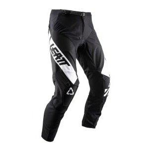 Велоштаны Leatt GPX 4.5 Pant для экстремальной езды, черный 2019Велоштаны<br>Удобные и долговечные велоштаны от Leatt по отличной цене. Модель выполнена из устойчивого к истиранию эластичного текстиля со вставками из сетчатого материала X-Flow – таким образом, эти штаны обеспечивают большую свободу движений и оптимальную вентиляцию. Внутренняя сторона штанин отделана мягким материалом Amara для оптимального сцепления, а задняя часть выполнена из устойчивого к истиранию полиэстера 1200D. И, конечно же, не стоит забывать о регулируемом поясе и высококачественных молниях от YKK – такие штаны не подведут вас даже в самых трудных ситуациях.<br><br><br><br>ОСОБЕННОСТИ<br><br><br><br>Верх штанов выполнен из устойчивого к истиранию эластичного текстиля<br><br>Вставки из сетчатого материала X-Flow для дополнительной вентиляции<br><br>Внутренняя сторона штанин отделана мягким материалом Amara, а задняя часть – устойчивым к истиранию полиэстером 1200D<br><br>Регулируемый пояс<br><br>Высококачественные молнии от YKK